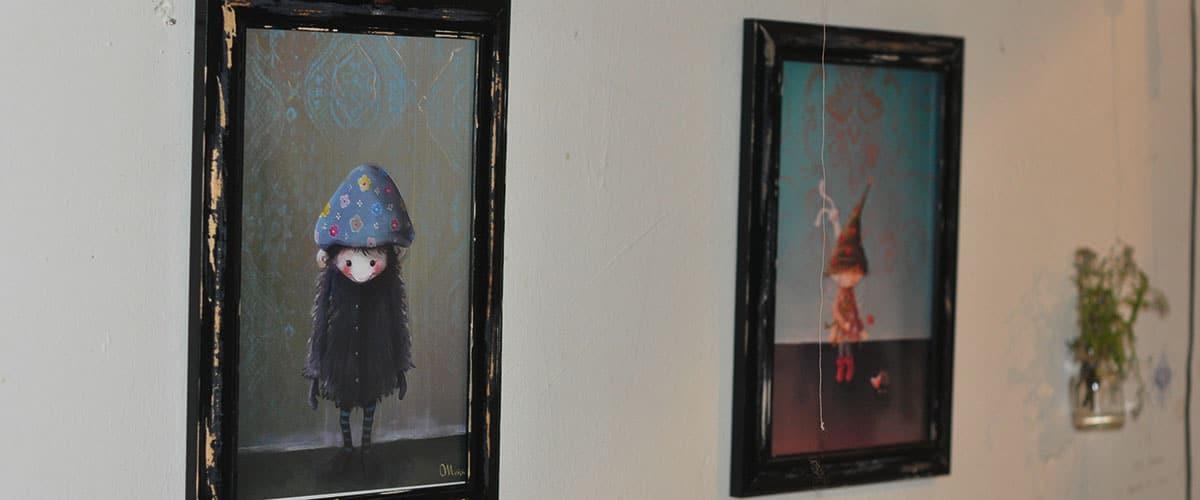 Bilder an den Wänden
