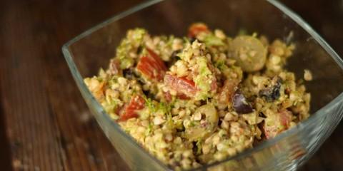 Buchweizensalat mit Oliven