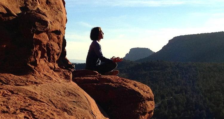 Mediation auf einem Berg
