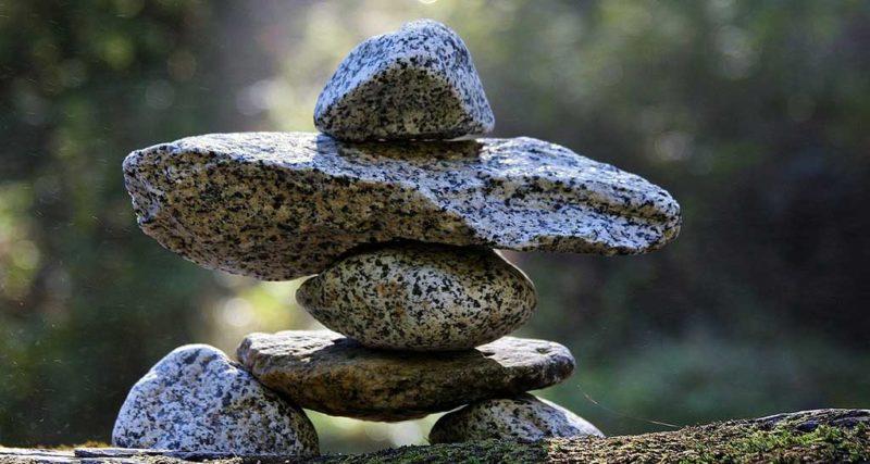 Pyramide aus Steinen