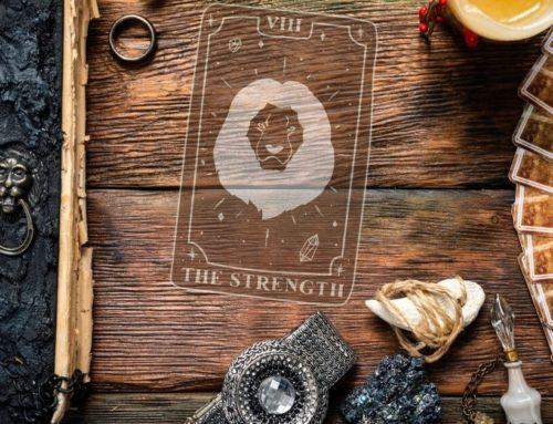 Die Kraft (8) im Tarot – Erlange deine innere Stärke zurück