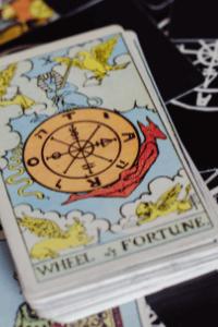 Das Rad des Schicksals im Waite Tarot
